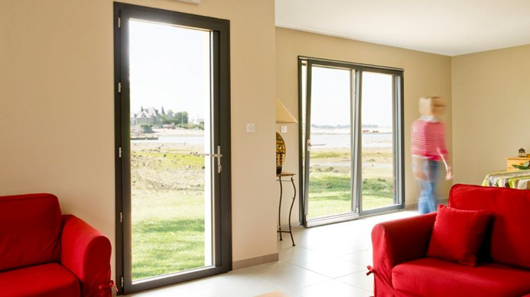 Pose de fenêtres, ouvertures, baies vitrées dans le 77