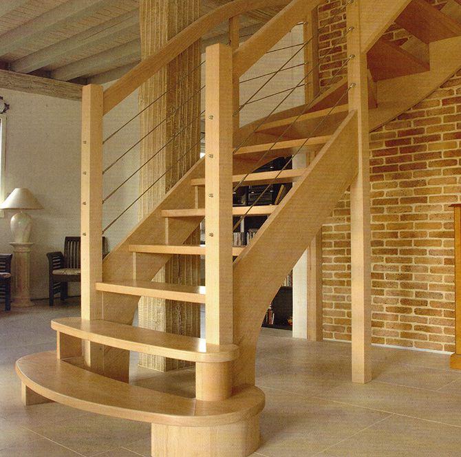 Escalier quart tournant en hêtre